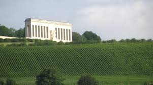 The memorial to American soldiers who fought and died in World War I, in Château-Thierry in Champagne.  (Photo from warpoetry.co.uk)